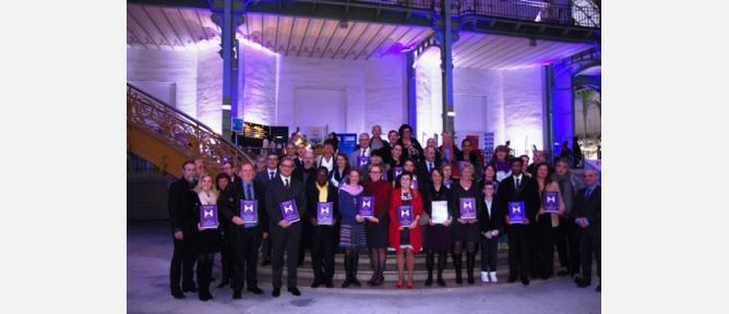 18 établissements des Yvelines reçoivent le bouclier de la résilience